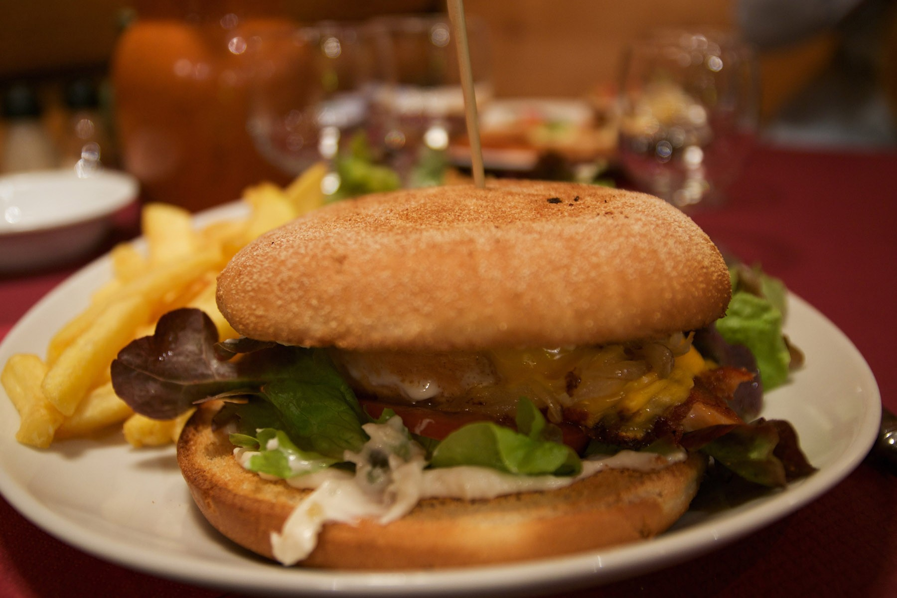 a-french-take-on-a-classic-canadian-salmon-burger-photo-by-adrien-le-coa%cc%88rer
