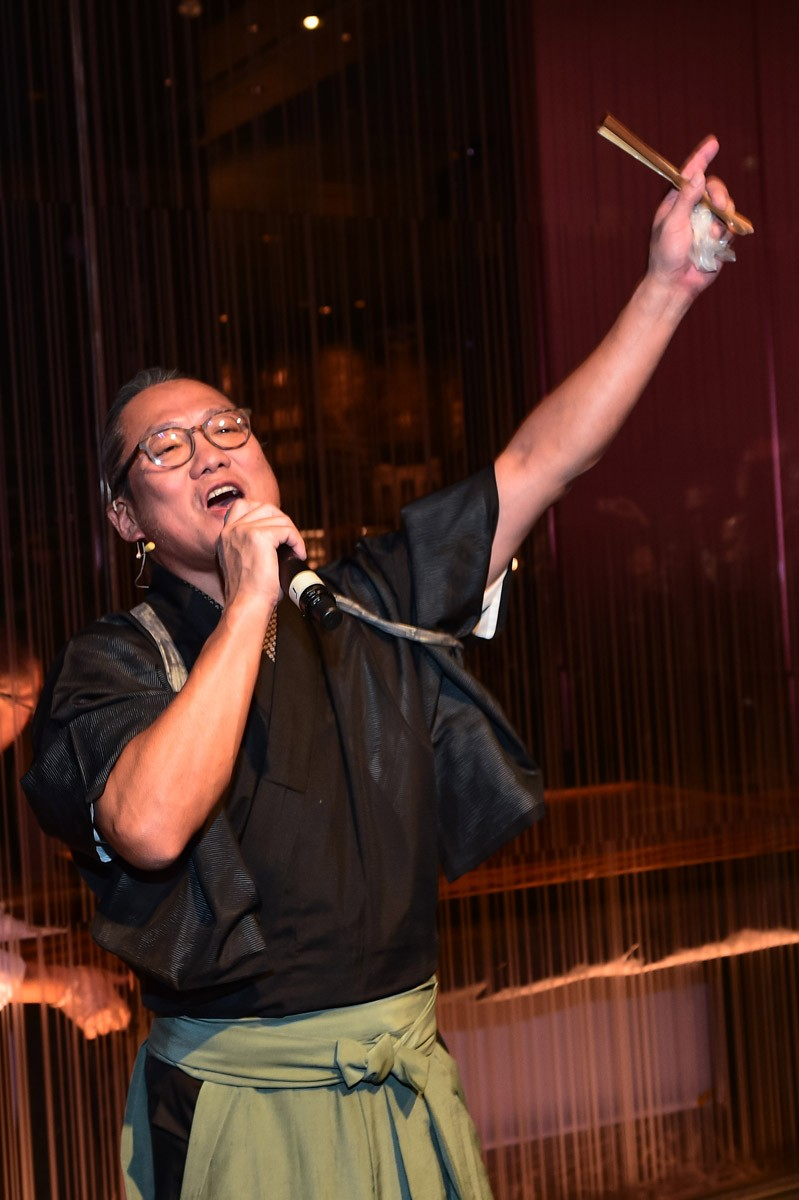 chef-masaharu-morimoto-welcomes-guests-to-the-opening-celebration-of-morimoto-las-vegas