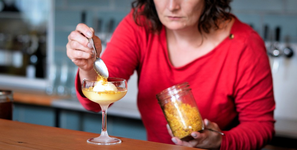 colliau-garnishes-the-pisco-sherbet-with-cancha-or-peruvian-corn-nuts