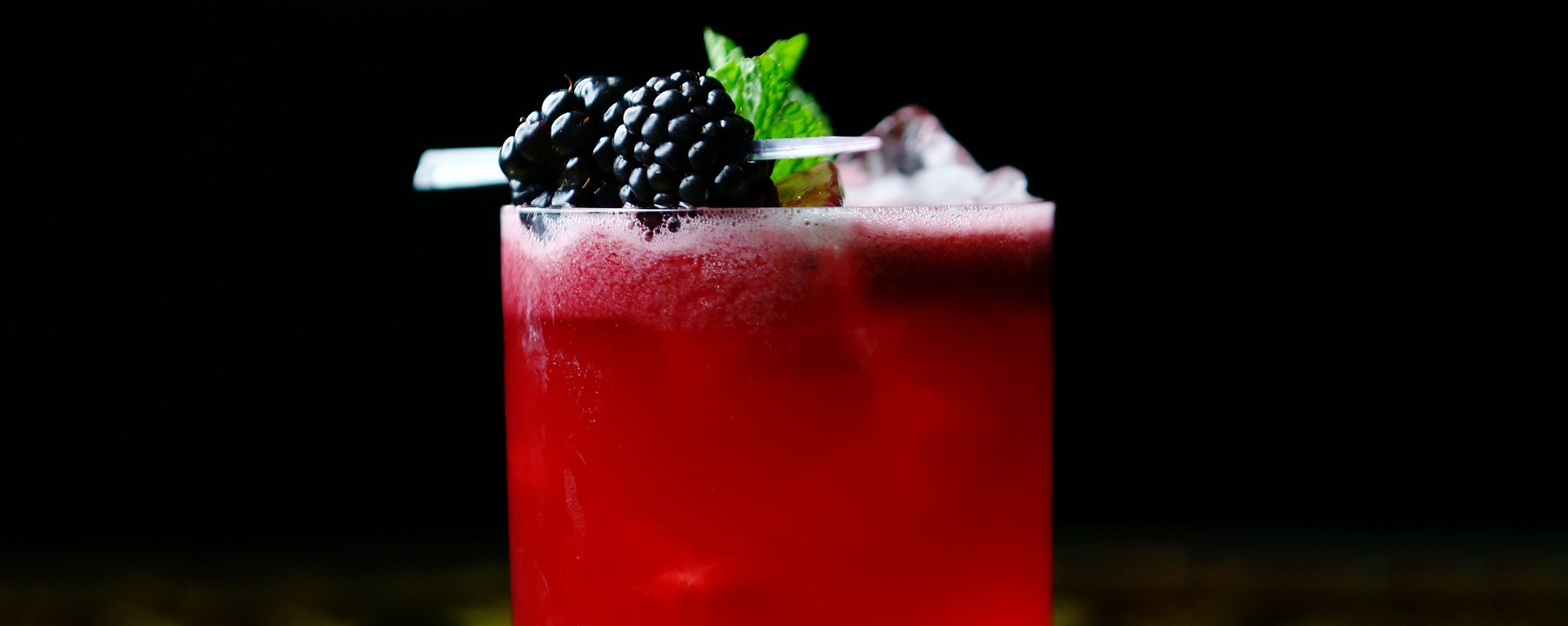 How To Make A Blackberry French 75 Munchies