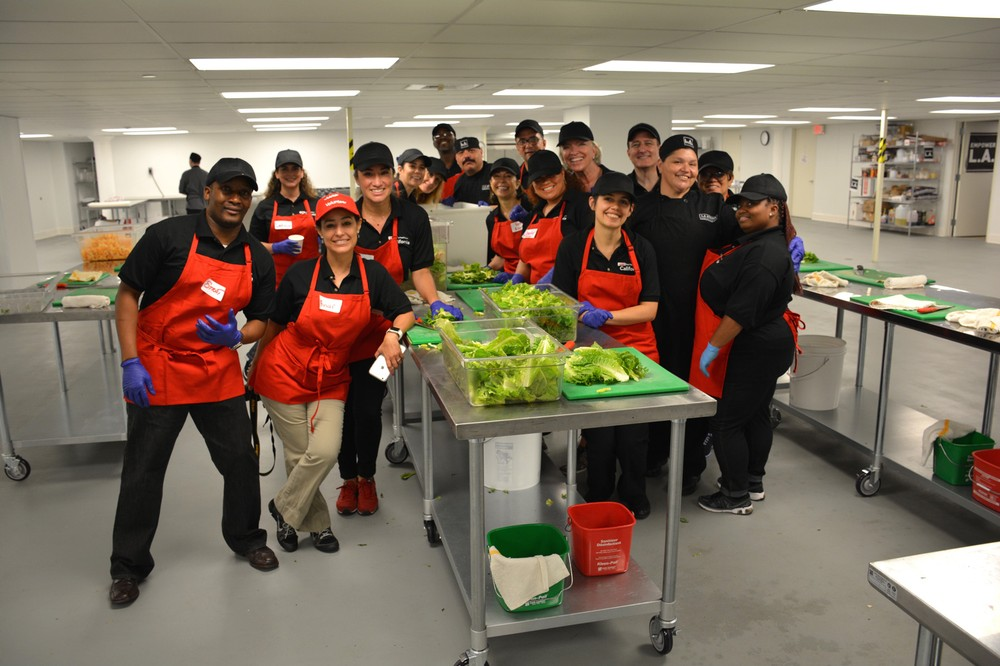 la_kitchen_volunteers-1