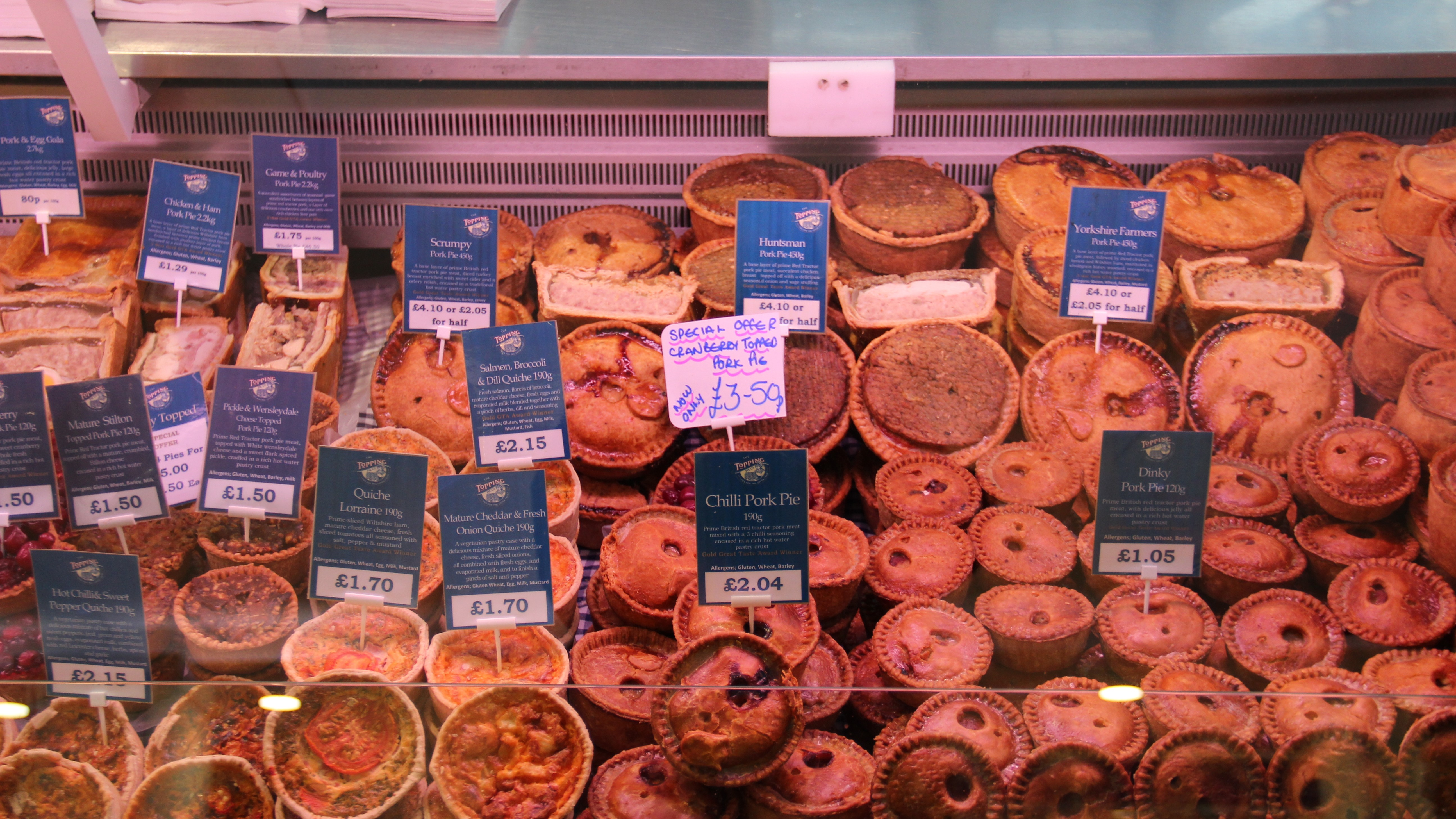toppings-pies-stand-in-doncasters-frenchgate-shopping-centre