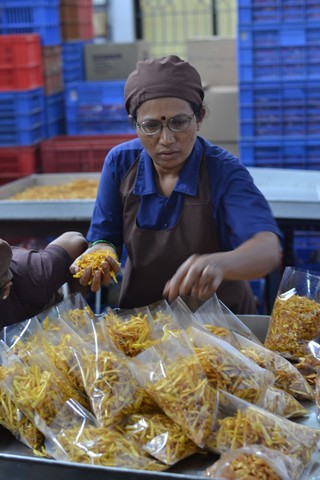 women-in-a-jackfruit-processing-plant-pic_-shree-padre