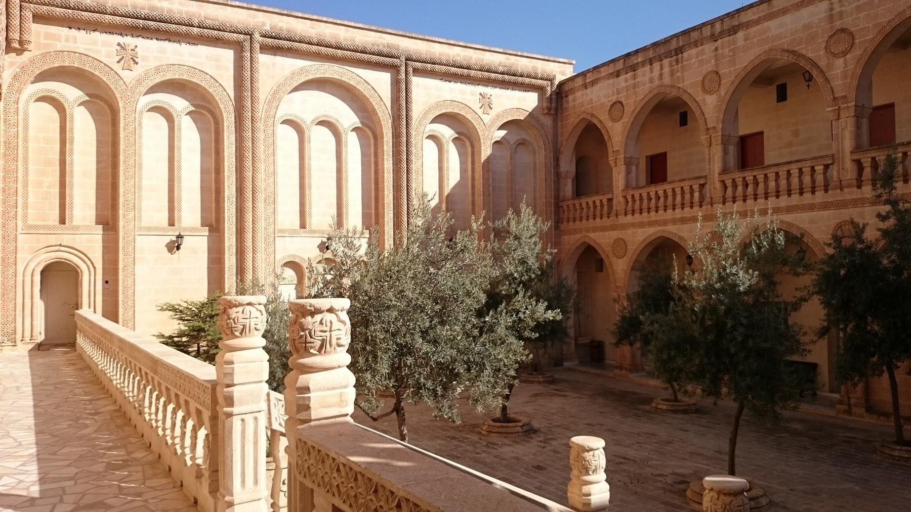 assyrianwine_Monastery1