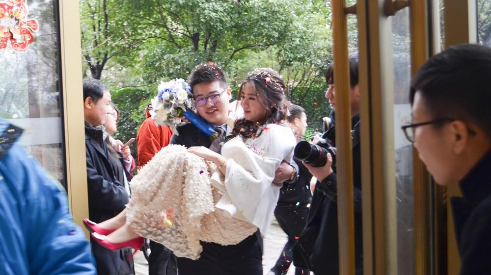 bride-and-groom_24681195976_o