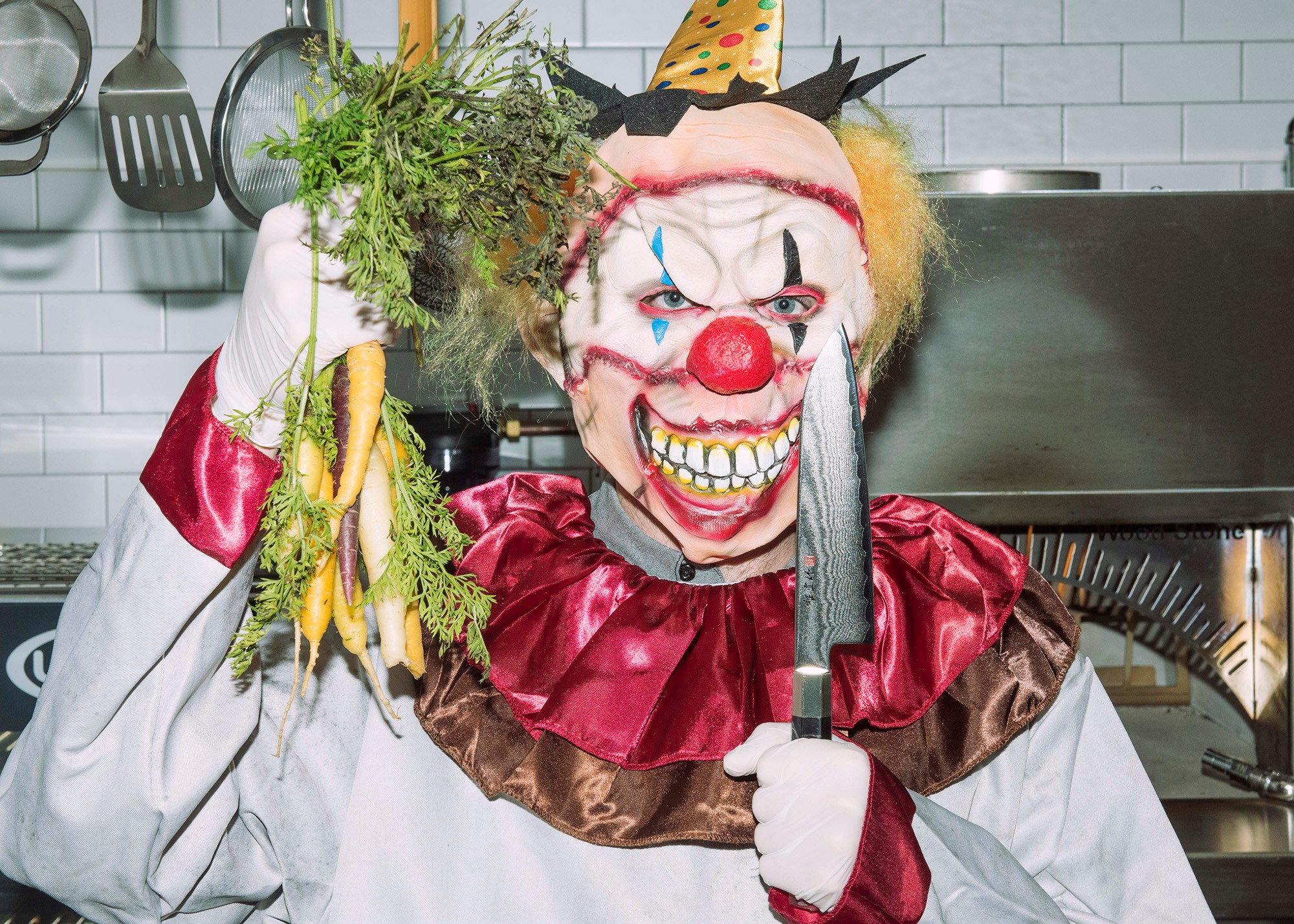 clown-knives-shoot-11