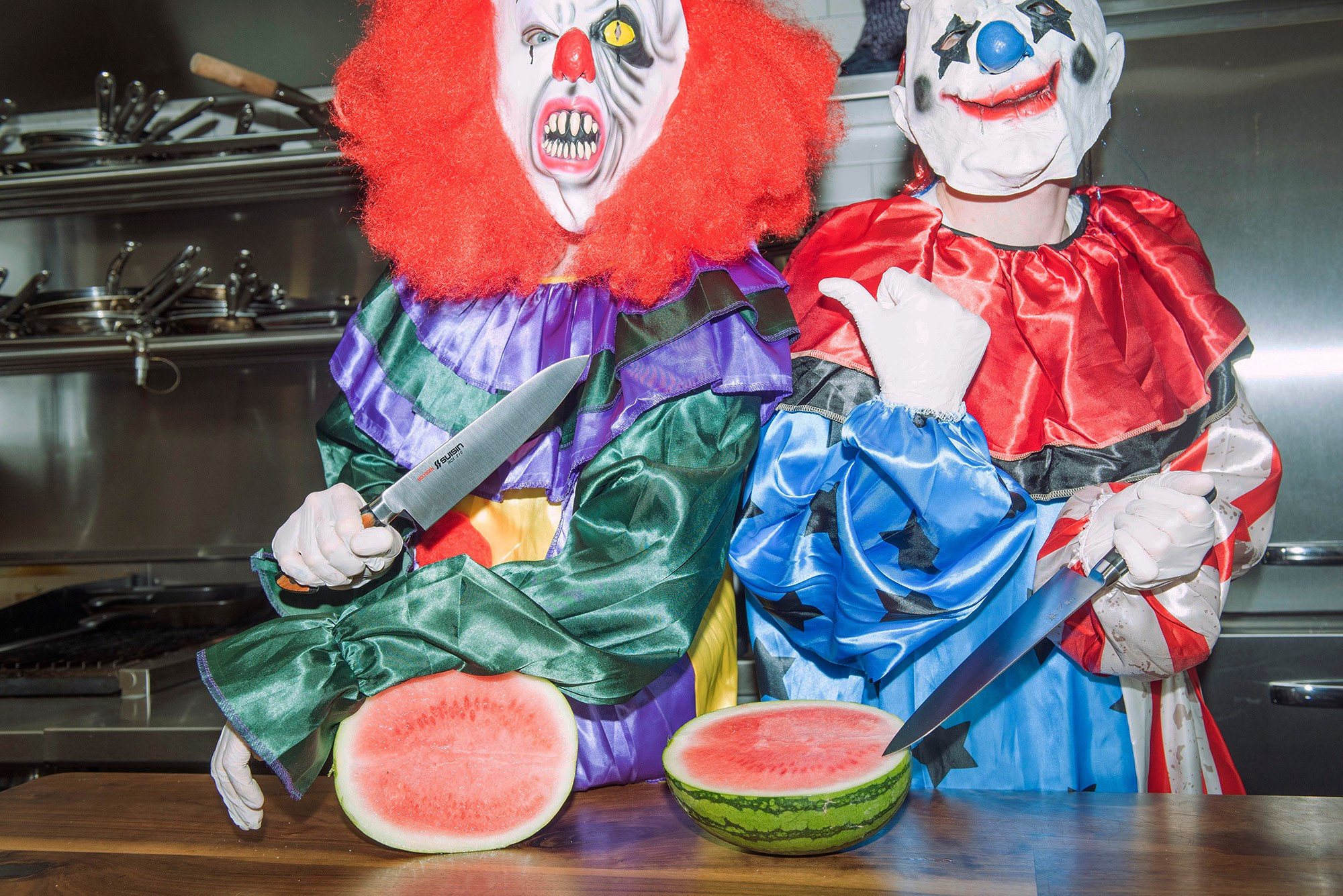 clown-knives-shoot-13