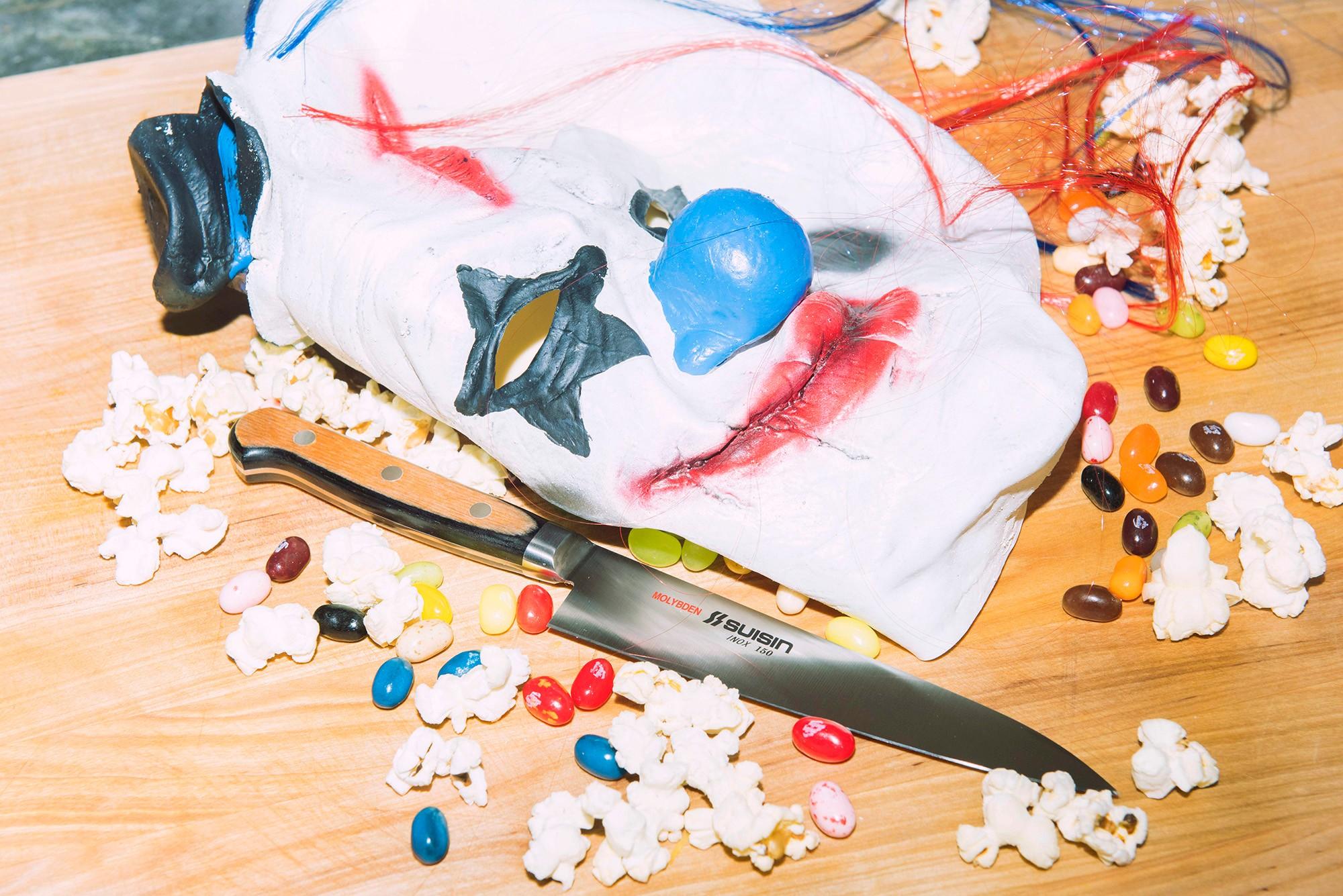 clown-knives-shoot-17