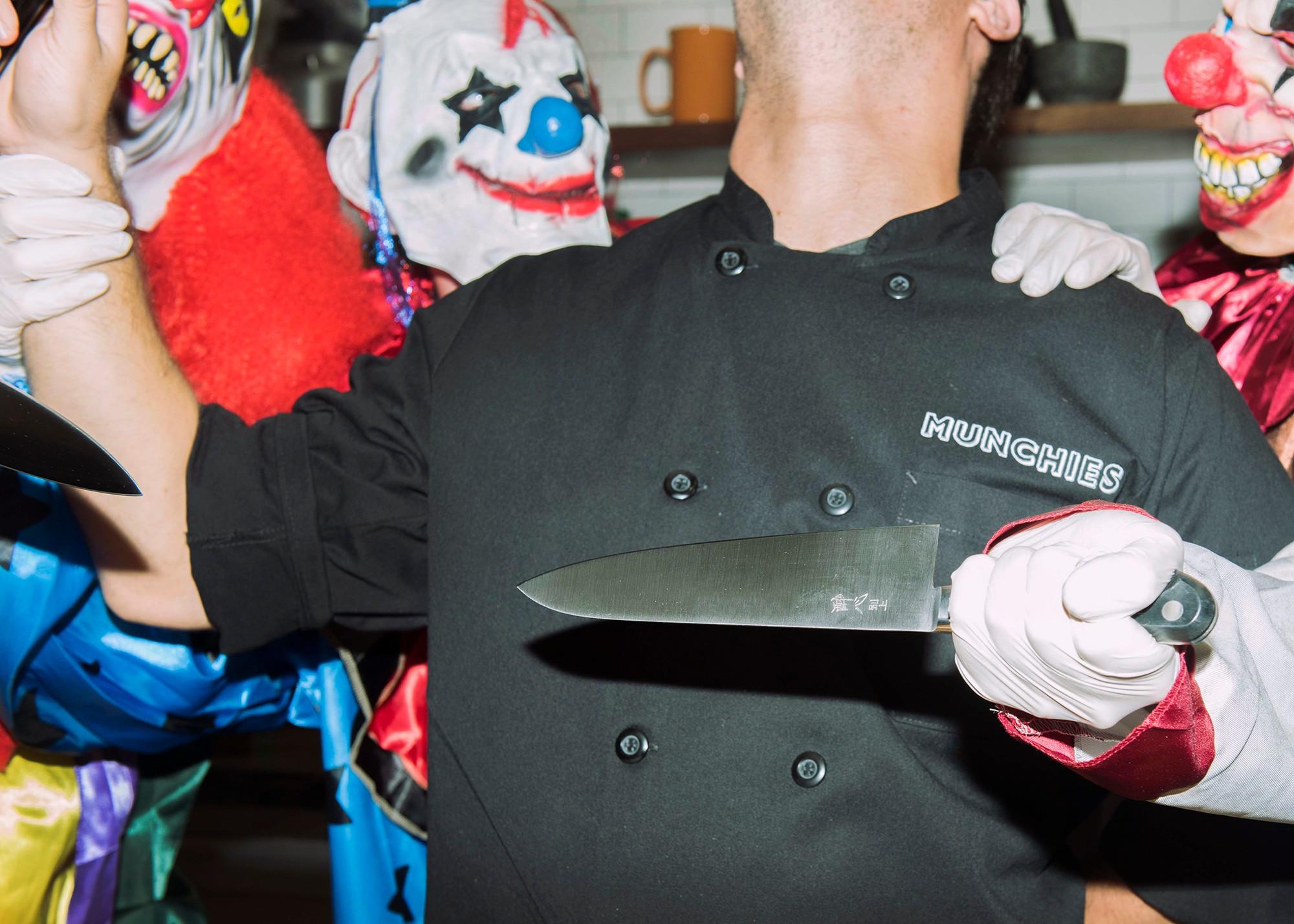 clown-knives-shoot-4