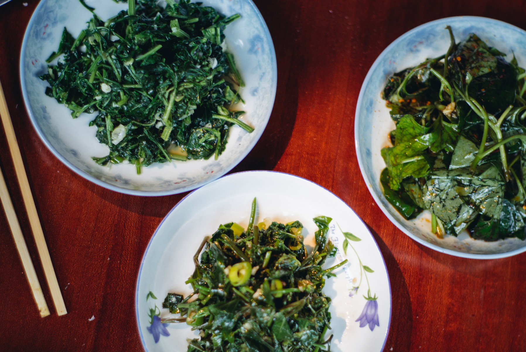 fishmintforaging_plated-foraged-greens_27239377714_o