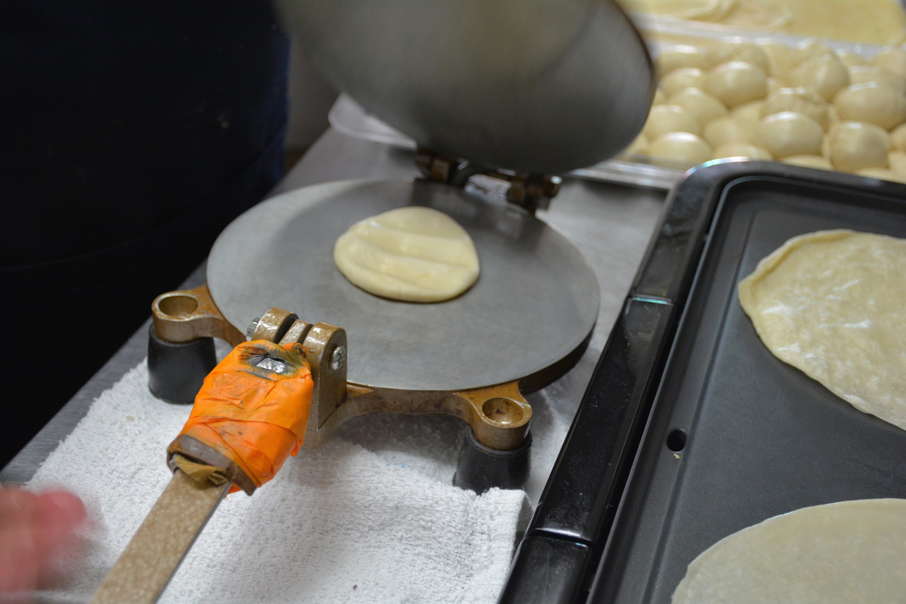 flour_tortilla_press - 1