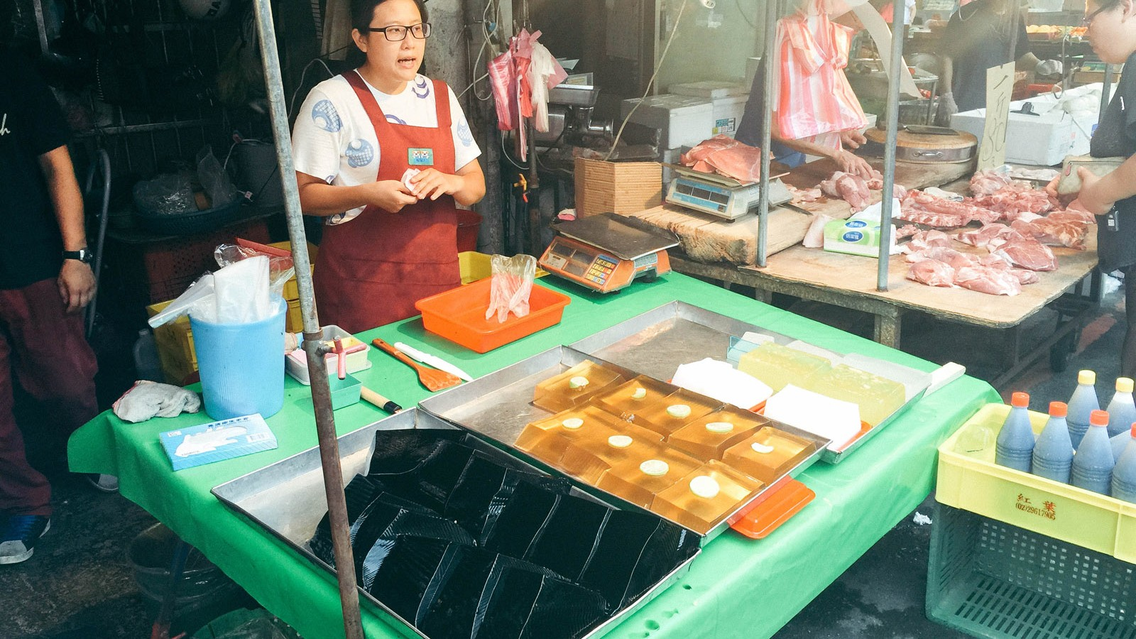 grass-jelly-in-the-market_26713347154_o