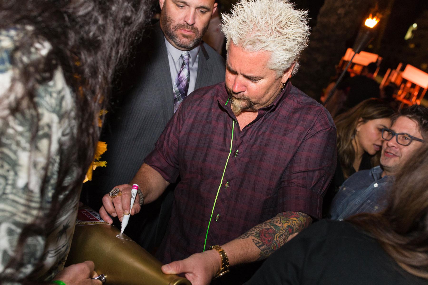 guy-fieri-signing-autographs