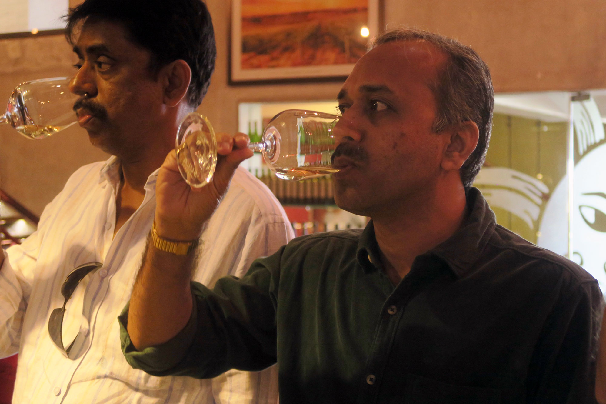 indian-vineyard-Ardesh-Dhuru,-right