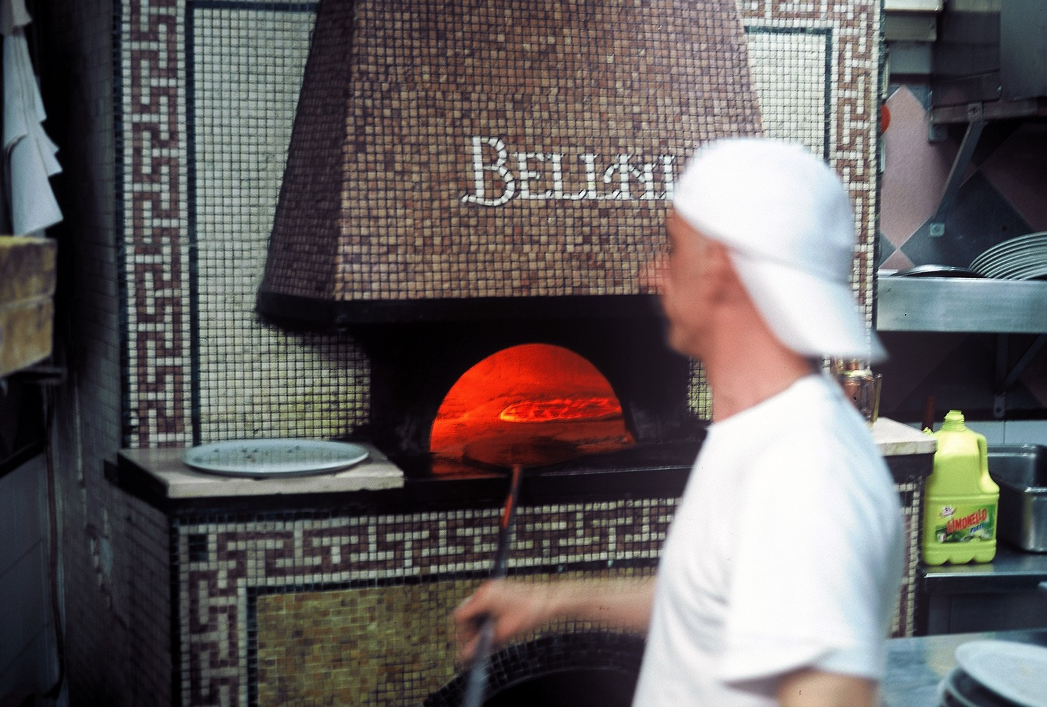 Bellini's pizzaiolo baking the pie I'd eventually scarf. Theirs was among the most beautiful old ovens I came across in Naples.