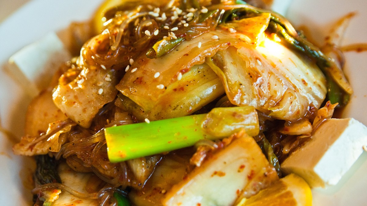 the best way to serve kimchi How to make tongbaechu-kimchi, napa cabbage kimchi from maangchi your recipe help me a lot in making korean dishes in easy way tried almost all of.