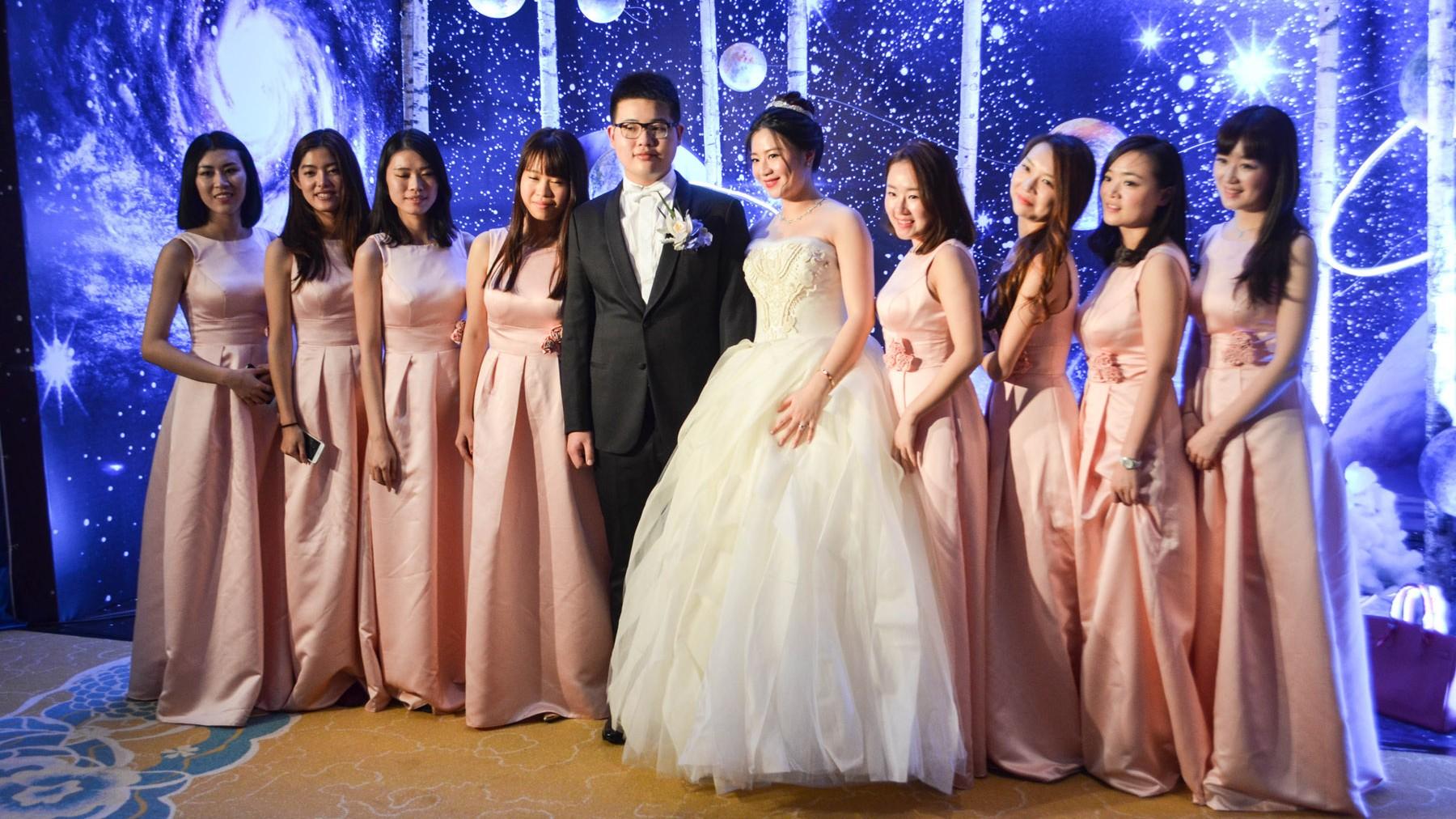 I Crashed The Wedding Of An Elite Chinese Couple Munchies