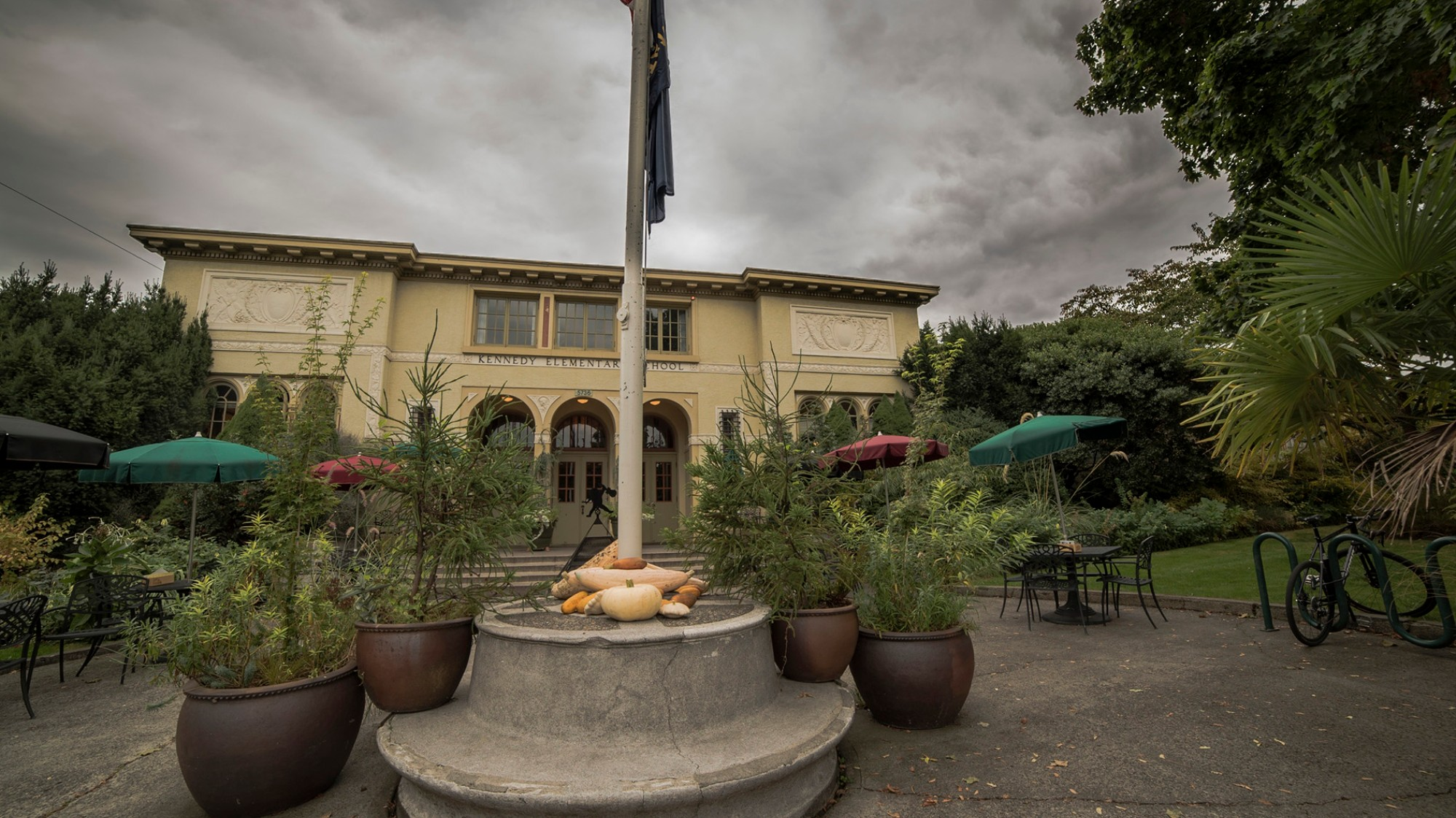 This Portland Elementary School-Turned-Restaurant Is Haunted