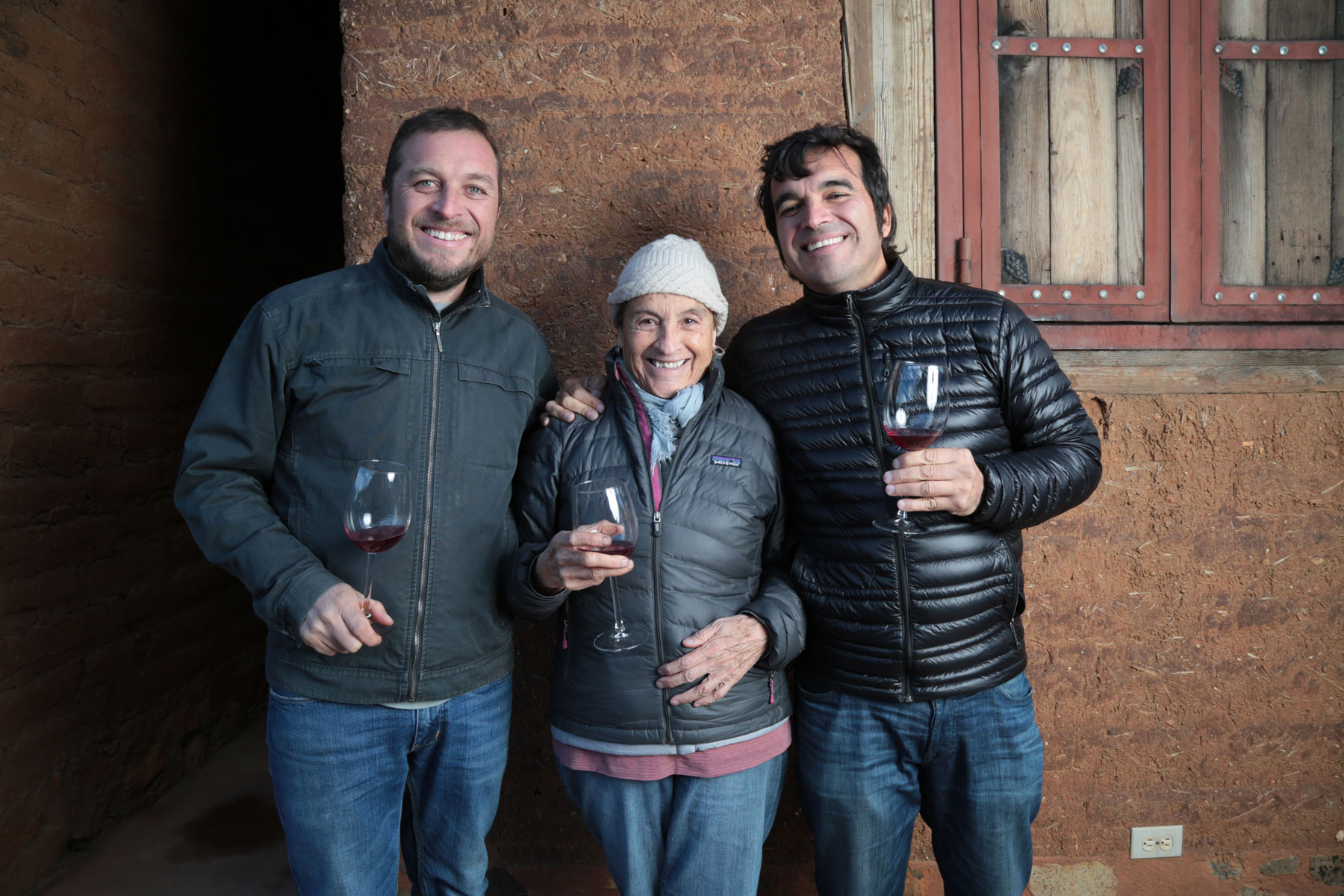 winemaker-and-his-family-jair-on-left-his-mother-ana-and-noel-tellez