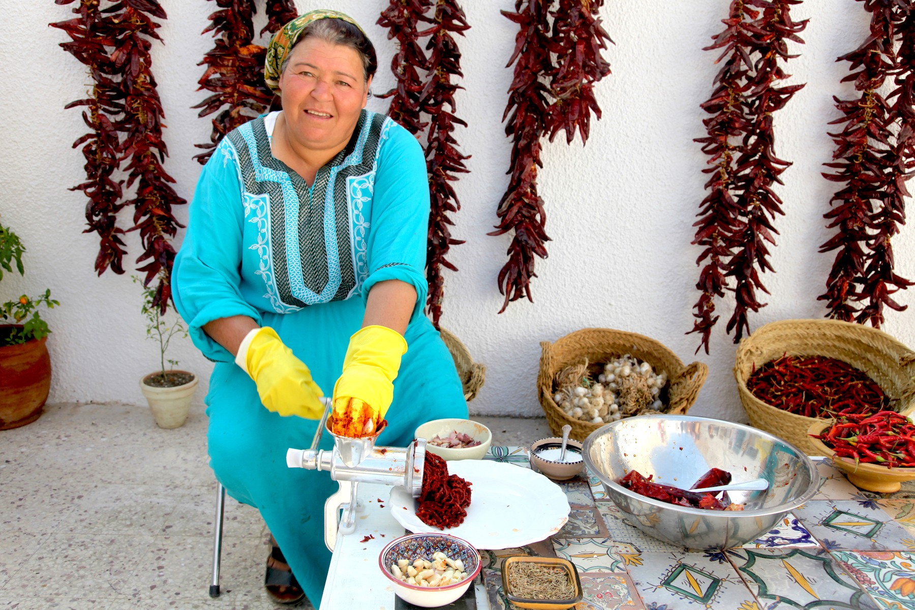 woman-making-harissa