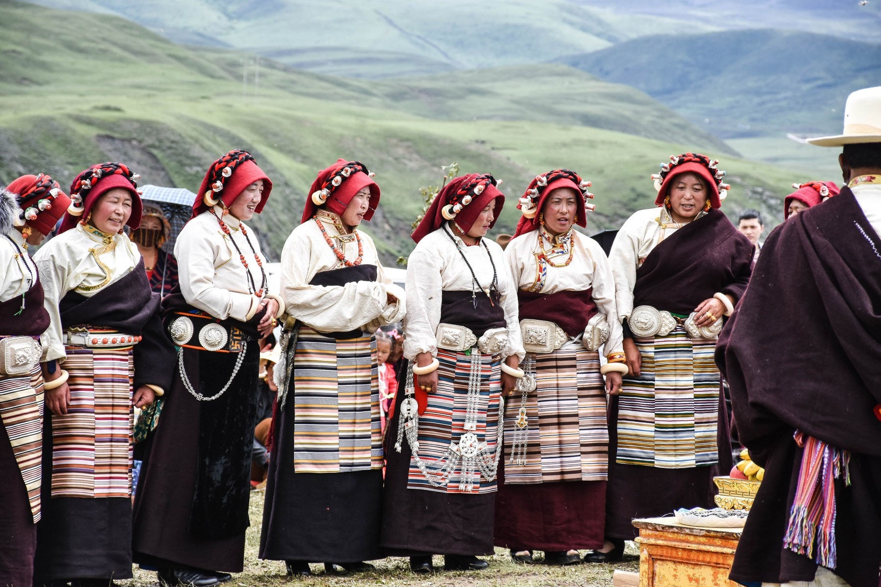 women-at-a-festival-in-tagong_27932020575_o