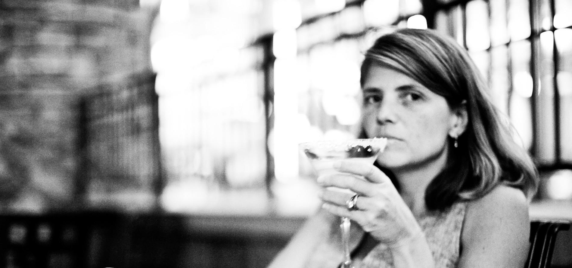 women-drinking-like-dudes-12